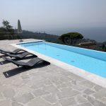 Rivestimento liner bianco- Piscina a sfioro alture Rapallo